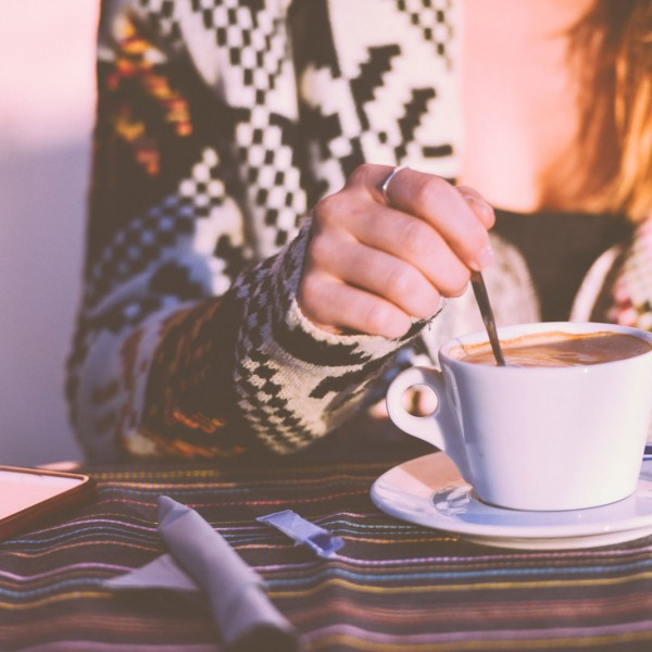 restaurant-person-woman-coffee-w